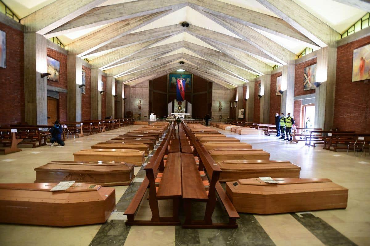 L'Italie rend hommage aux victimes de la COVID-19