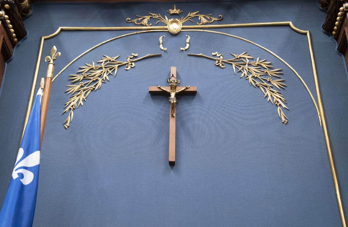 Dans le rétroviseur: il y a un an, le crucifix quittait le Salon bleu
