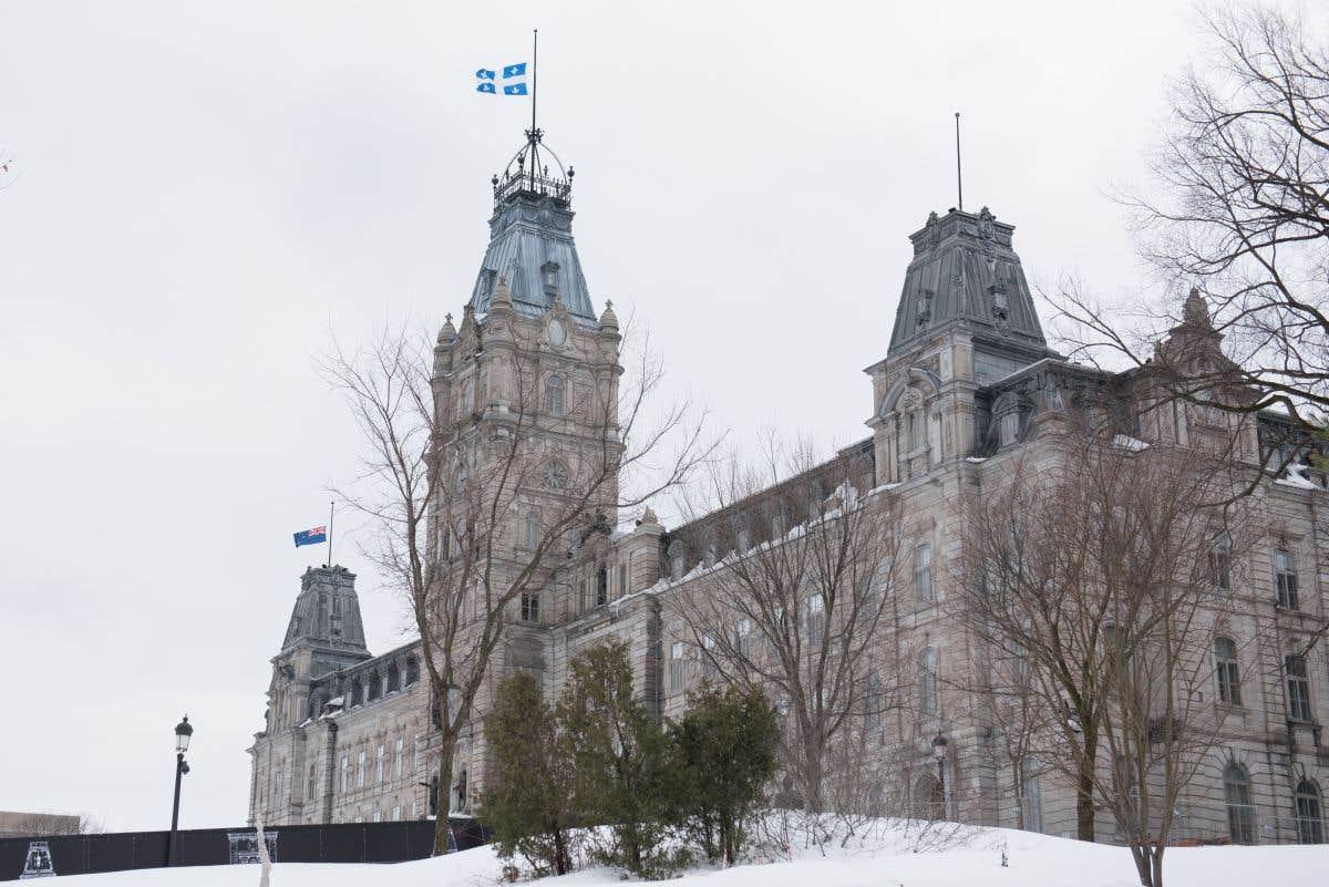 Retour à Québec et annonce du budget
