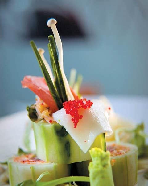 Le restaurant Tri Express de Montréal propose un menu varié où sashimis, sushis, makis et soupes se font concurrence.