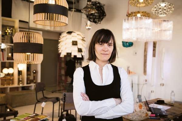 Véronique Lamarre fait partie des créateurs du collectif qui vous feront craquer. Designer industrielle, elle compose des lampes et des objets de maison exclusifs et accessibles.