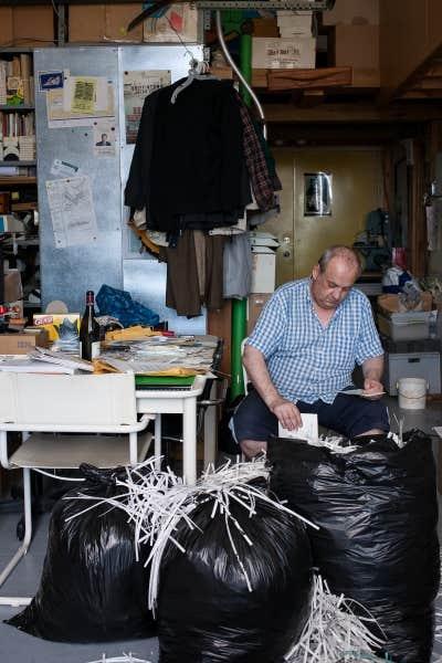 Pierre Zovilé détruit ses archives personnelles