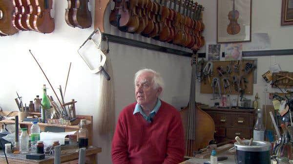 Le luthier Jules Saint-Michel a vu un quartier résidentiel délabré se changer en haut lieu culturel montréalais.