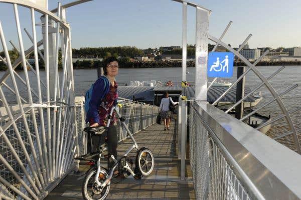Service de location de vélos pliants pour prendre le Navibus Loire