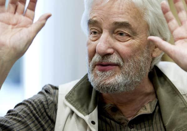 Au cours des 12 dernières années, le cinéaste Andrzej Zulawski a de nouveau privilégié l'écriture, jugeant avoir fait le tour de son jardin cinématographique. Puis, encore, cette urgence créatrice.