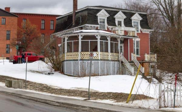 Maison tourigny une d molition imminente le devoir - Jeux de demolition de maison ...