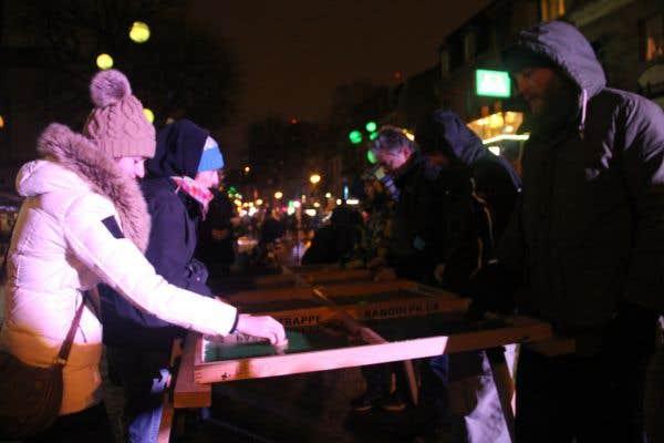 Sur la rue Saint-Denis prenaient place les Jeux géants de Montréal.