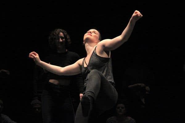 À l'Agora de la danse se tenait «Bouge anyway», une «battle» de danse qui regroupait de férus danseurs de l'École de danse contemporaine de Montréal et d'autres du milieu des danses urbaines.