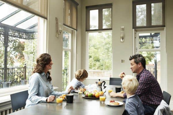 louer ou changer sa maison pour les vacances le devoir. Black Bedroom Furniture Sets. Home Design Ideas