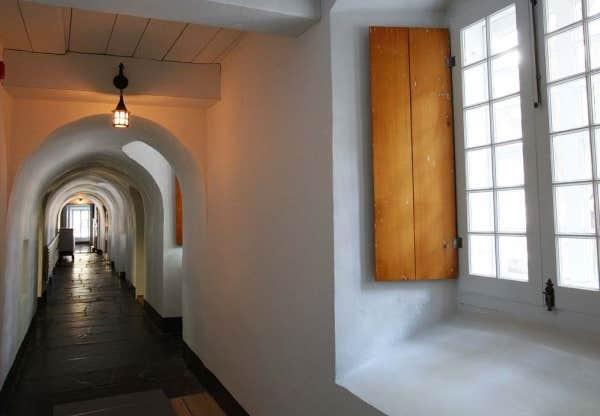 Le devoir for Galerie du meuble quebec