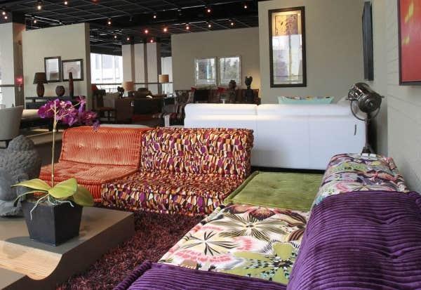 le devoir. Black Bedroom Furniture Sets. Home Design Ideas