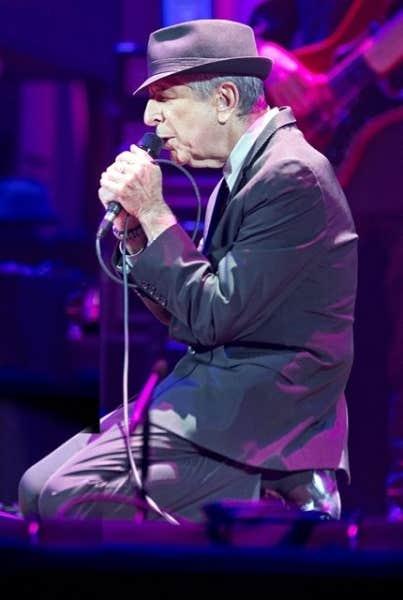 Leonard Cohen, en spectacle au Centre Bell de Montréal, 28 novembre 2012.