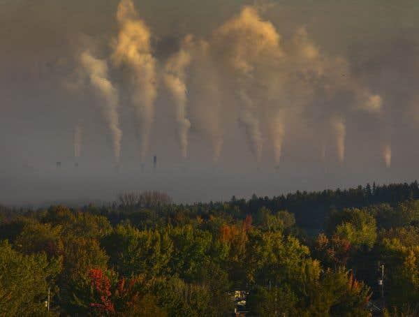 Les couleurs de l'automne... et les cheminées de Rio Tinto