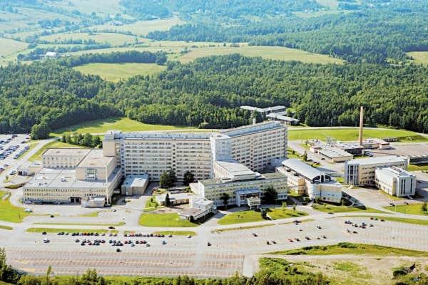 L 39 universit de sherbrooke a toujours su se d marquer le for Piscine universite sherbrooke