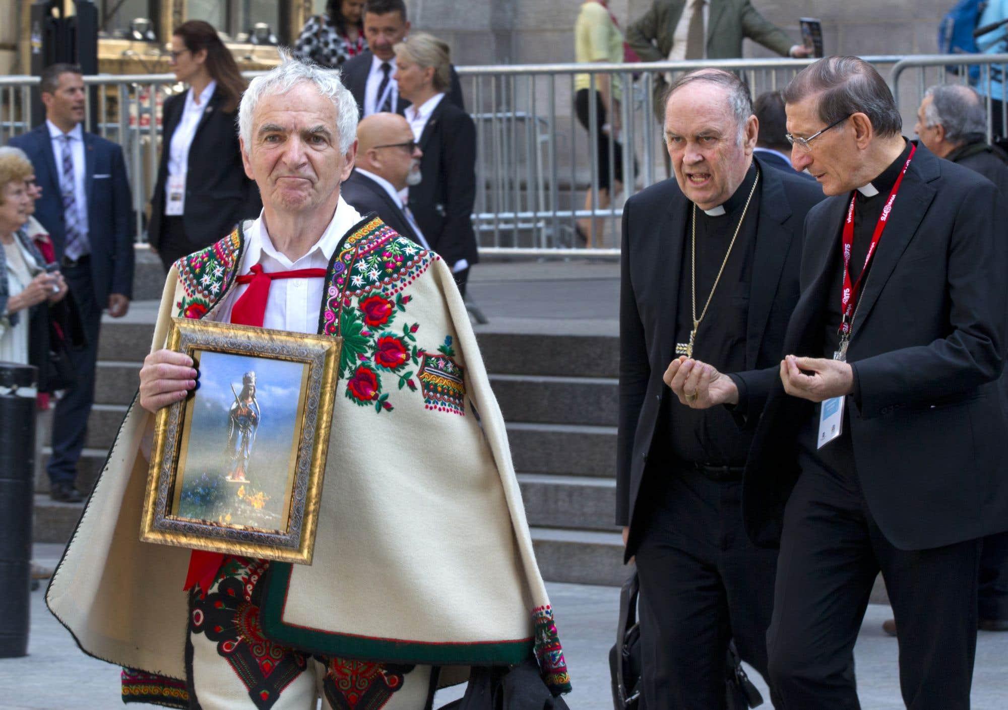Des chefs spirituels de diverses religions ont pris part à la messe patrimoniale organisée à la basilique Notre-Dame mercredi matin par le Diocèse de Montréal.