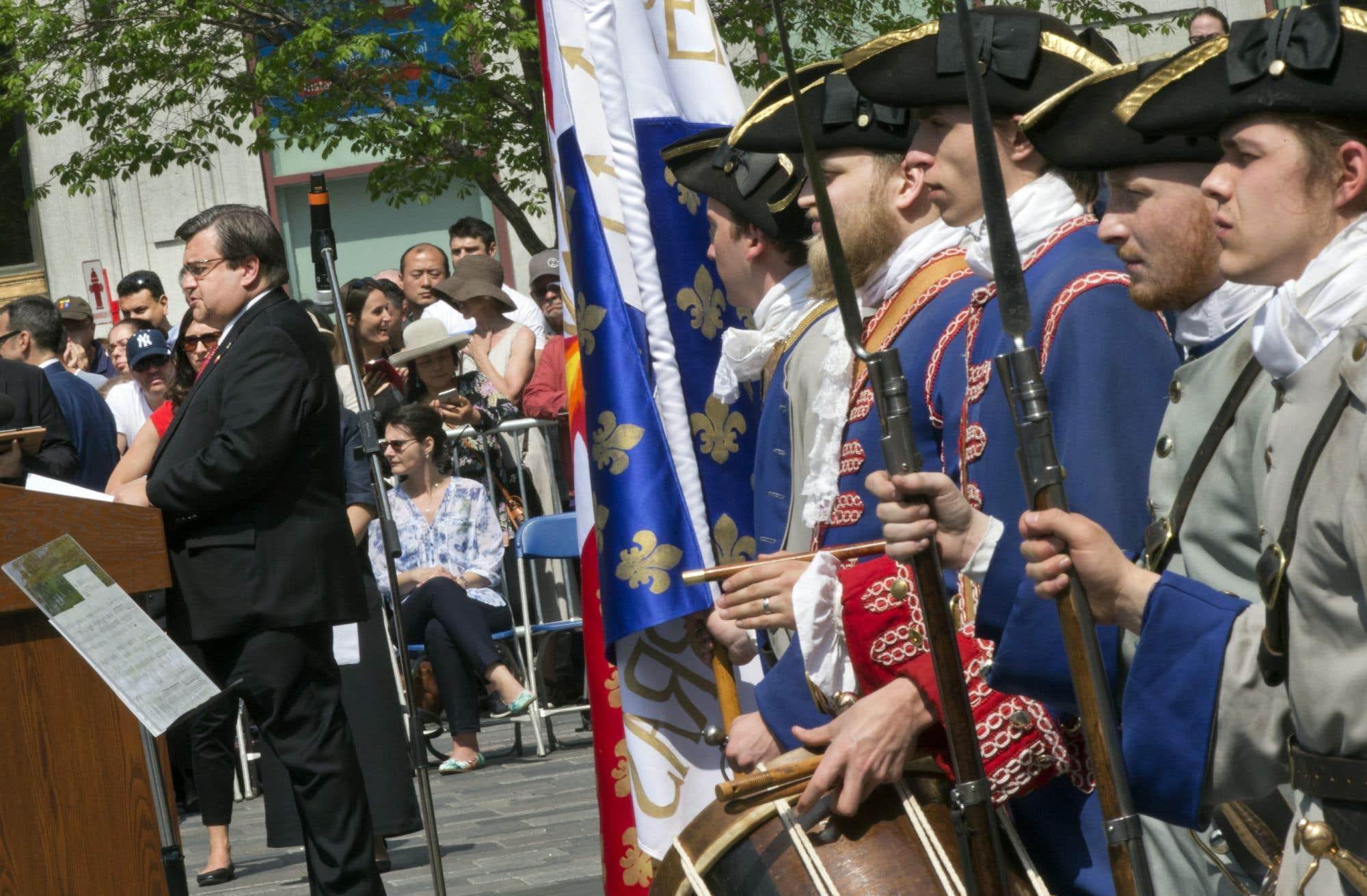 Le maire Coderre a lancé les festivités devant une foule de Montréalais mercredi matin.