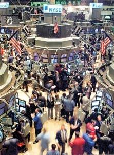 La crise &eacute;conomique de 2008 a entra&icirc;n&eacute; une importante chute des cours au New York Stock Exchange et &agrave; d&rsquo;autres Bourses du monde entier.<br />