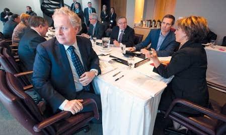 Le premier ministre du Qu&eacute;bec, Jean Charest, a laiss&eacute; entendre, hier, lors du Conseil de la f&eacute;d&eacute;ration, &agrave; Victoria, qu&rsquo;il avait espoir de voir Ottawa accepter de s&rsquo;asseoir avec les provinces pour n&eacute;gocier un nouvel accord sur les transferts f&eacute;d&eacute;raux en sant&eacute;.<br />