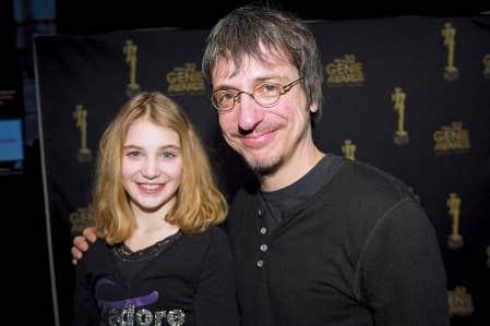 Le cinéaste Philippe Falardeau en compagnie de Sophie Nélisse, qui joue Alice dans le film Monsieur Lazhar. On les voit ici il y a quelques jours lors du dévoilement des nominations aux prix Génie.