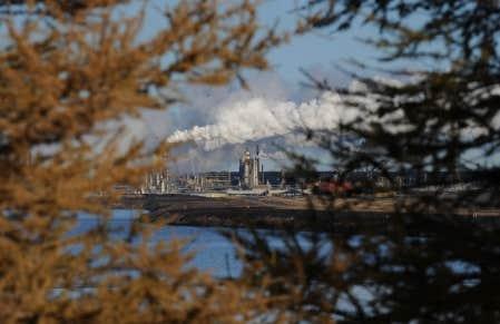 Ottawa semble craindre que des groupes environnementaux oppos&eacute;s &agrave; des projets comme l&rsquo;exploitation de sables bitumineux albertains optent pour le terrorisme. <br />