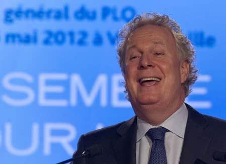 Le premier ministre du Québec, Jean Charest, s'adressant aux militants libéraux réunis à Victoriaville.