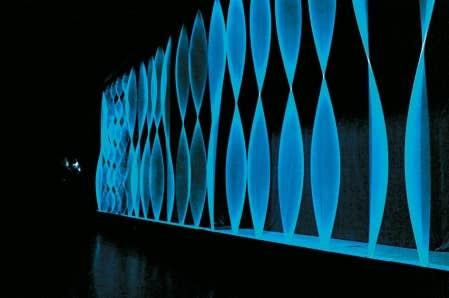<div> La simplicit&eacute; de la projection de la lumi&egrave;re est &agrave; la base de Tripwire, du duo Ashley Fure &agrave; la musique et de Jean-Michel Albert &agrave; la conception.</div>