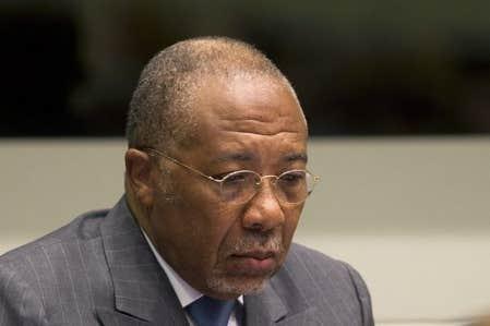 Charles Taylor, âgé de 64 ans, a été reconnu coupable le 26 avril de onze chefs de crimes contre l'humanité et crimes de guerre, dont ceux de meurtre, viol et enrôlement forcé d'enfants soldats, pour avoir soutenu et encouragé les rebelles sierra-léonais en échange de «diamants du sang».
