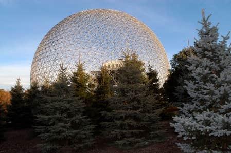 <div> La Biosph&egrave;re a &eacute;t&eacute; touch&eacute;e par les coupes f&eacute;d&eacute;rales.</div>