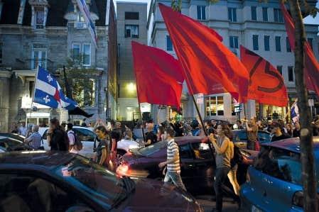 Lors d'une manifestation nocturne des étudiants, la 75e à Montréal, il y a deux semaines.