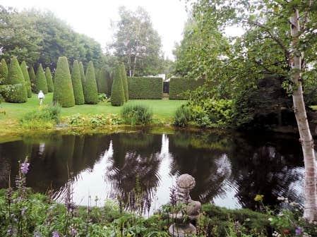 Le domaine sublime de francis cabot le devoir for Jardin 4 vents