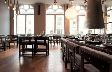 L'Atelier d'Argentine, qui a pris la place de l'ancien restaurant DNA, a gardé le même décor créé par Bruno Braën.