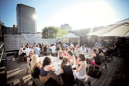 La Société des arts technologiques, et sa terrasse, sera l'hôte du festival Omnivore ce week-end.