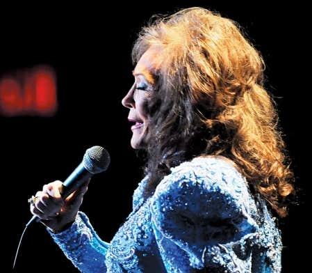 La chanson country de Loretta Lynn The Pill a été jugée si controversée en 1975 que sa maison de disques a retardé sa sortie.
