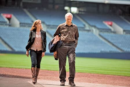 Amy Adams et Clint Eastwood sont fille et père dans le long métrage Trouble with the Curve.