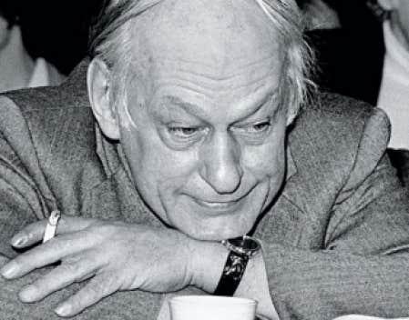 <div> Ren&eacute; L&eacute;vesque lors d&rsquo;un conseil national du Parti qu&eacute;b&eacute;cois en 1982</div>