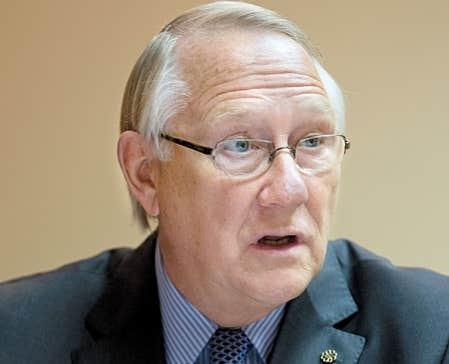 Le maire de Montréal, Gérald Tremblay, qui a tenu à s'entretenir de ce sujet avec Le Devoir la semaine dernière, était formel: «Jamais je n'ai fait la promotion de M. Catania. Jamais je ne suis intervenu.»