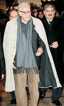 Lakhdar Brahimi lors de son arrivée à Damas dimanche