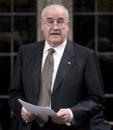 Le ministre de la Coopération internationale Julian Fantino