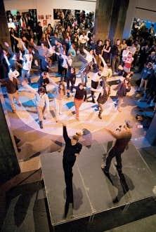 Le Bal moderne, né sous la gouverne de Michel Reilhac, permet d'entraîner le public dans de courtes chorégraphies.
