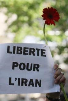 Des manifestations ont aussi eu lieu à Paris.