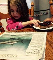 Une nouvelle lectrice: Clara, 5 ans.