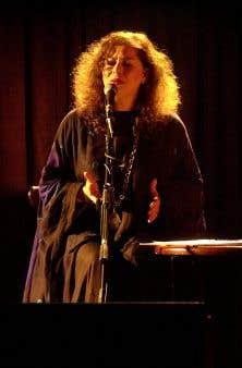 Amina Alaoui est une magnifique voix arabo-andalouse du Maroc.