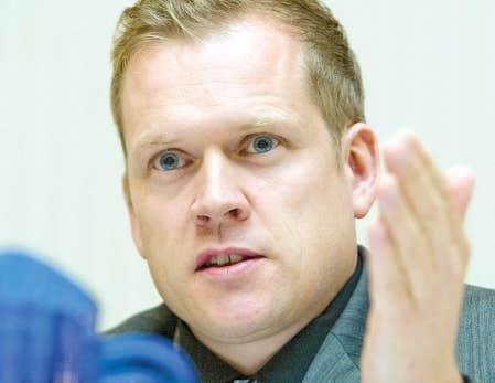 Brian Myles du Devoir, nouveau président de la FPJQ