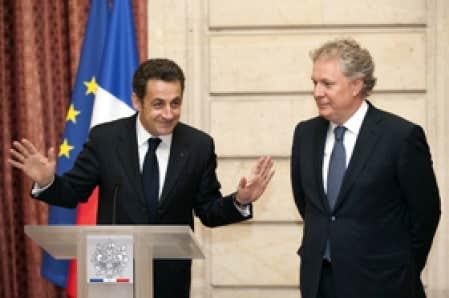 Sous le regard de Jean Charest, Nicolas Sarkozy a eu hier à l'Élysée des mots très durs à l'endroit des souverainistes québécois.