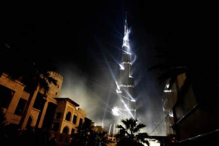 Le Burj Khalifa illuminé à l'occasion de son inauguration