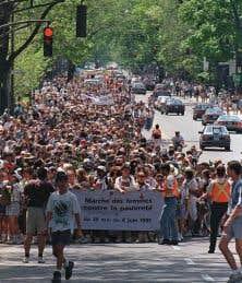 La Marche du pain et des roses, entre Montréal et Québec, en 1995, a donné naissance à la Marche mondiale des femmes en 2000.
