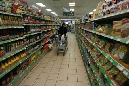 Environ 10 % du contenu d'un panier d'épicerie contient des OGM, selon une étude de l'Université Laval.