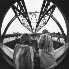 Détail d'une des photographies d'Antoine Desilets qui se retrouvent dans le livre «Expo 67»