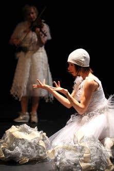 Une scène de la pièce «Un tiroir de neurones miroirs»
