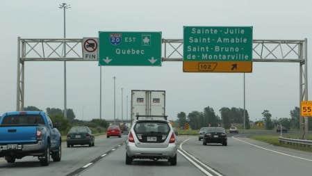 Le MTQ a voulu minimiser aujourd&#39;hui la facture totale de l&#39;op&eacute;ration de remplacement des panneaux routiers. <br />